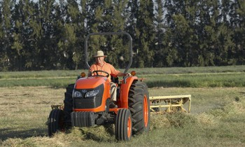 CroppedImage350210-Kubota-MX4700GM-2015.jpg